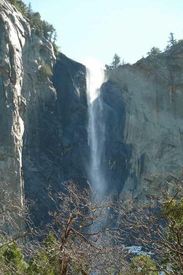 画像: ブライダルベール滝(添乗スタッフ撮影)