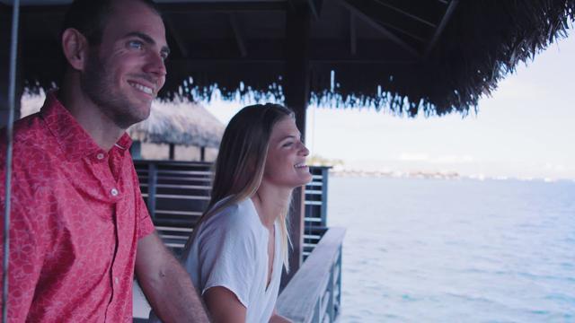 画像: タヒチの島々での過ごし方 www.youtube.com