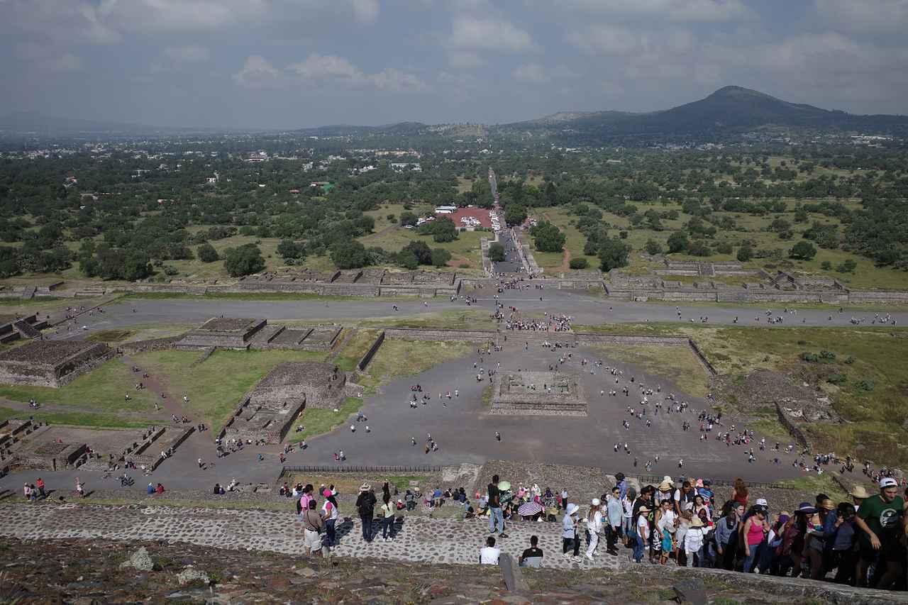 画像2: テオティワカン・太陽のピラミッド頂上からの眺め(スタッフ矢島撮影)