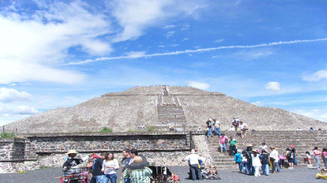 画像: テオティワカン遺跡・太陽のピラミッド(イメージ)
