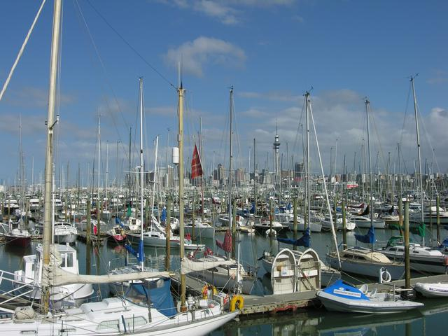 画像: 港に停船する景色/担当者撮影