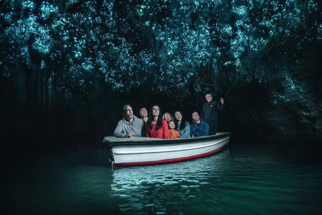 画像: ワイトモ洞窟での土ボタル見学ツアー(イメージ)