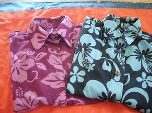 画像: デザインや価格も様々なアロハシャツ(スタッフ撮影)