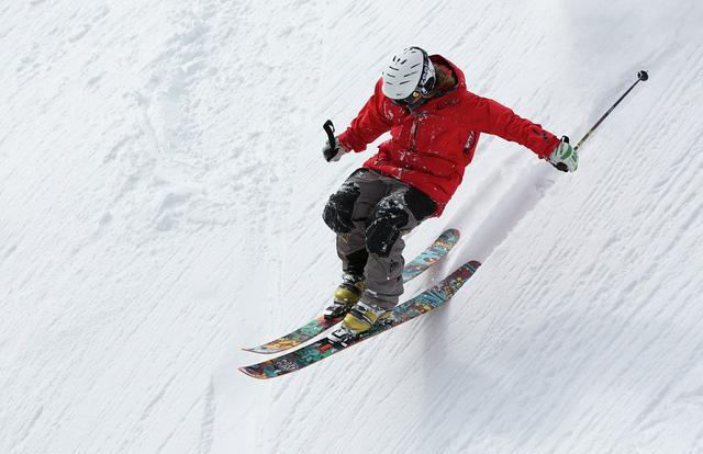 画像: スキー(イメージ)