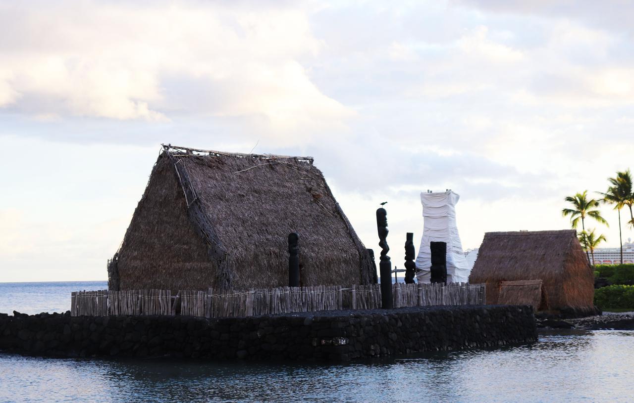 画像: ハワイ島のカイルア桟橋にあるカメハメハ1世晩年の住居・カマカホヌ カメハメハ2世もここで教育を受けました (撮影:YUKO)