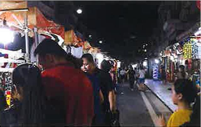 画像: 露店も人通りが戻ってきています!(現地スタッフ撮影)