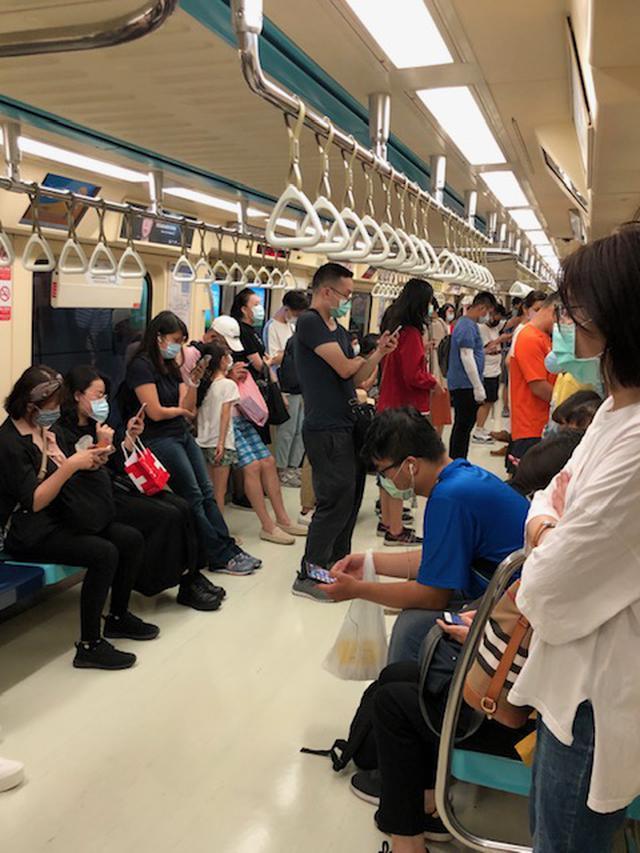 画像: 台北MRT(地下鉄)車内の様子(7月上旬/現地スタッフ撮影)