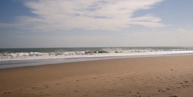 画像: スミニャックのビーチの様子です。こちらも現在はまだ閑散としている様子です 現地手配会社「APEX」提供(7月6日撮影)