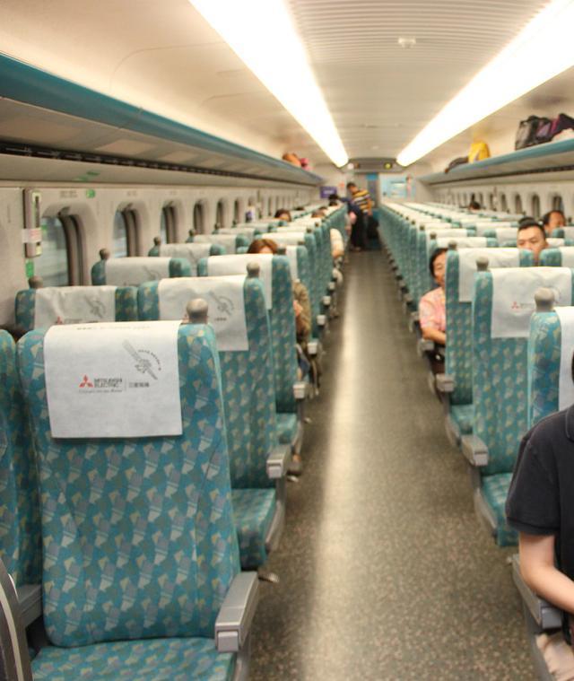 画像: 台湾新幹線・普通車車内/弊社スタッフ撮影