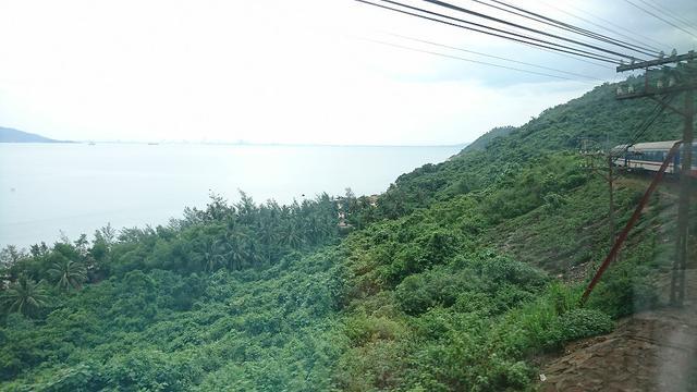 画像: 車窓からのハイヴァン峠の眺め/現地スタッフ撮影