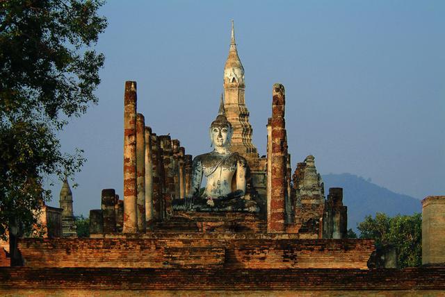 画像: ワット・マハタート(写真提供:タイ国政府観光庁)