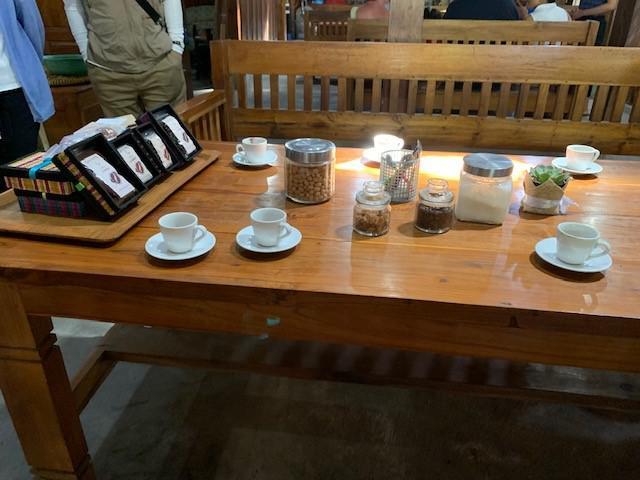 画像: ジャコウネココーヒー(有料)試飲の様子 弊社スタッフ撮影