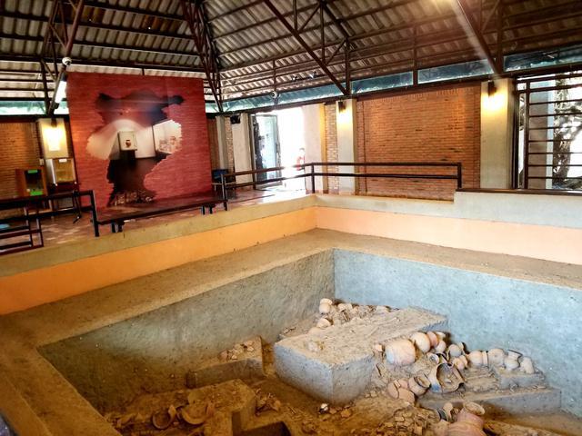 画像: バンチェン遺跡の発掘跡(2019年1月弊社スタッフ撮影)