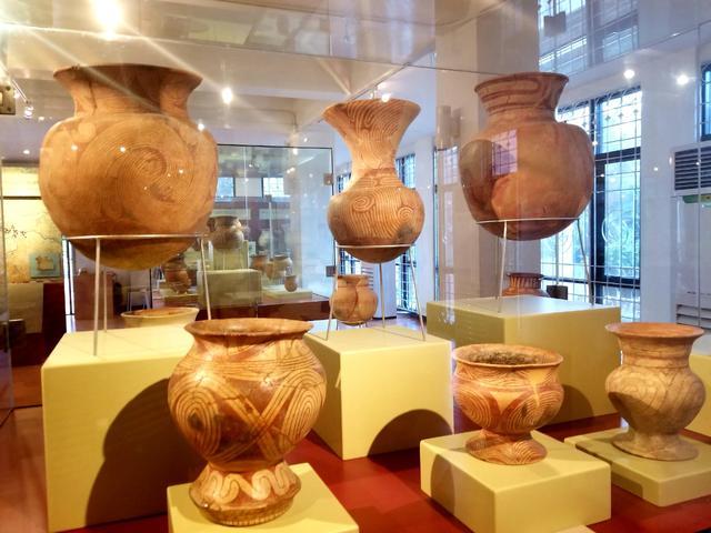 画像: バンチェン遺跡から出土した土器(2019年1月弊社スタッフ撮影)