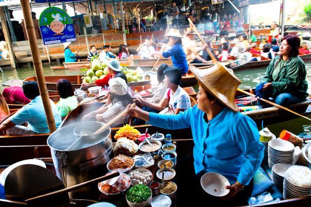 画像1: ダムナンサドゥアク水上マーケット(写真提供:タイ国政府観光庁)