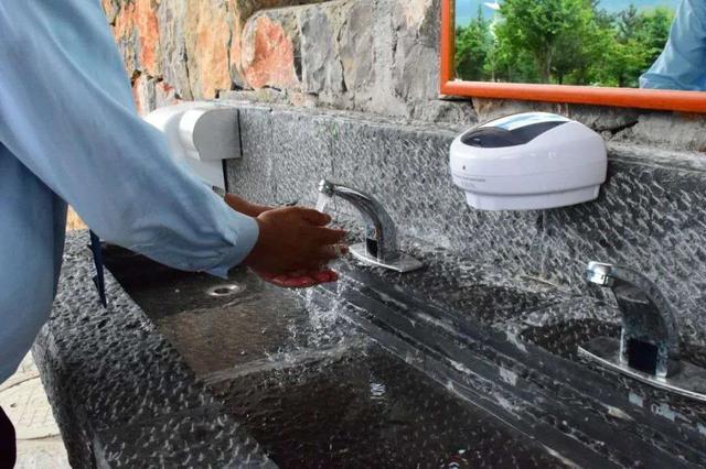 画像: 麗江・玉龍雪山風景区のお手洗い/提供:現地手配会社(9/2撮影)