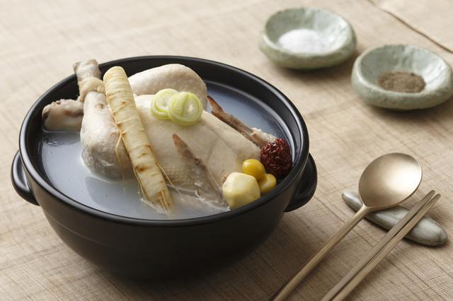 画像: 参鶏湯(サムゲタン)(写真提供:韓国観光公社)
