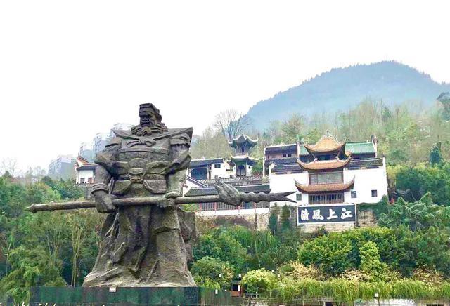 画像: 長江三峡エリアの雲陽 張飛の首塚が残る(image)
