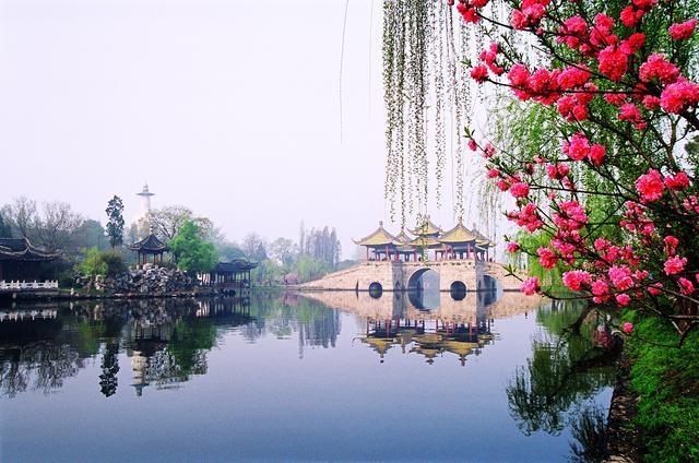 画像: 中国・揚州の痩西湖(イメージ) 五亭橋は痩西湖のシンボル