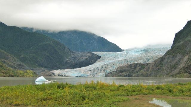 画像: メンデンホール氷河 ジュノーにて