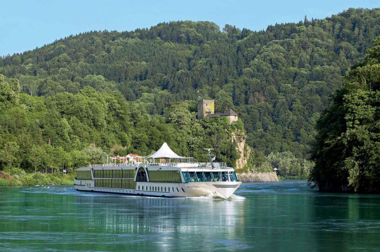 画像: ⑥終日航海が少ないため寄港地での観光を満喫出来る