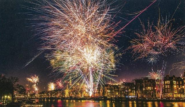 画像: アムステルダムの花火