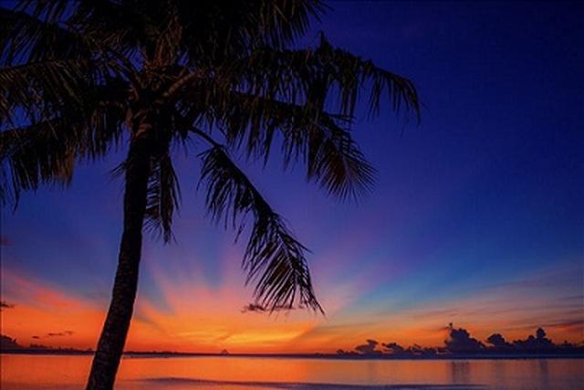 画像: グアムの夕焼け(お客様写真/PN:ChewieHuey・千葉県在住)