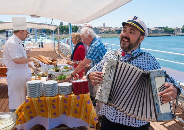 画像: 船内の様子(イメージ) www.lueftner-cruises.com