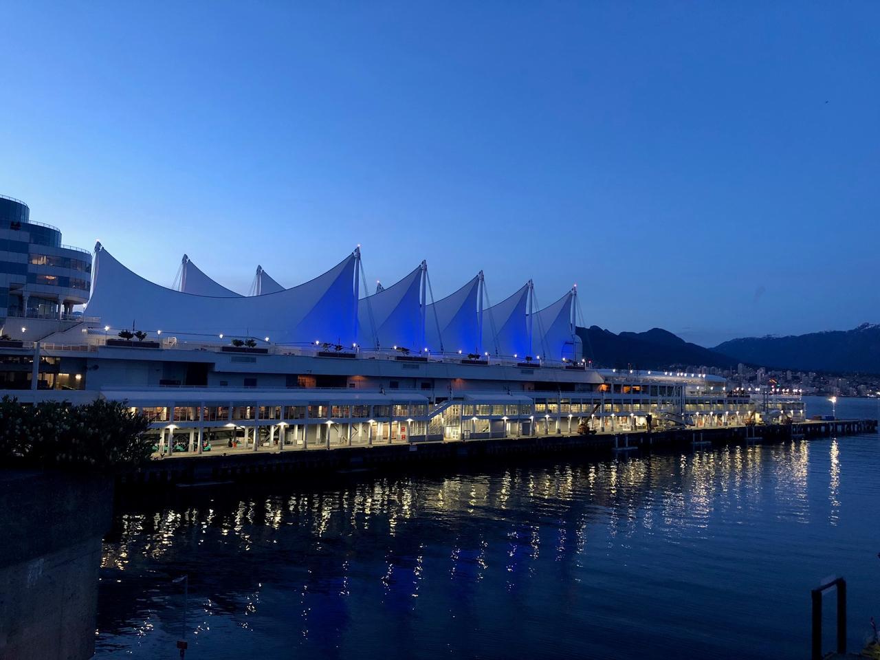画像: カナダ・プレイス港 夜景(イメージ)
