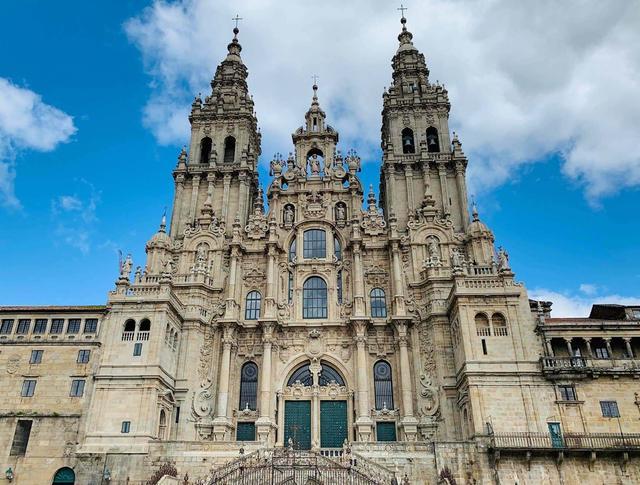 画像: K5750-3【オーシャニア・マリーナ】フランス西部ときたスペイン 小さな街めぐりクルーズ 13日間<ゆったり旅> 2020年8月6日出発 |クラブツーリズム