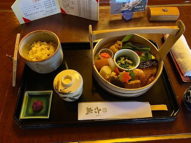画像: てをけ弁当・六盛/和田撮影