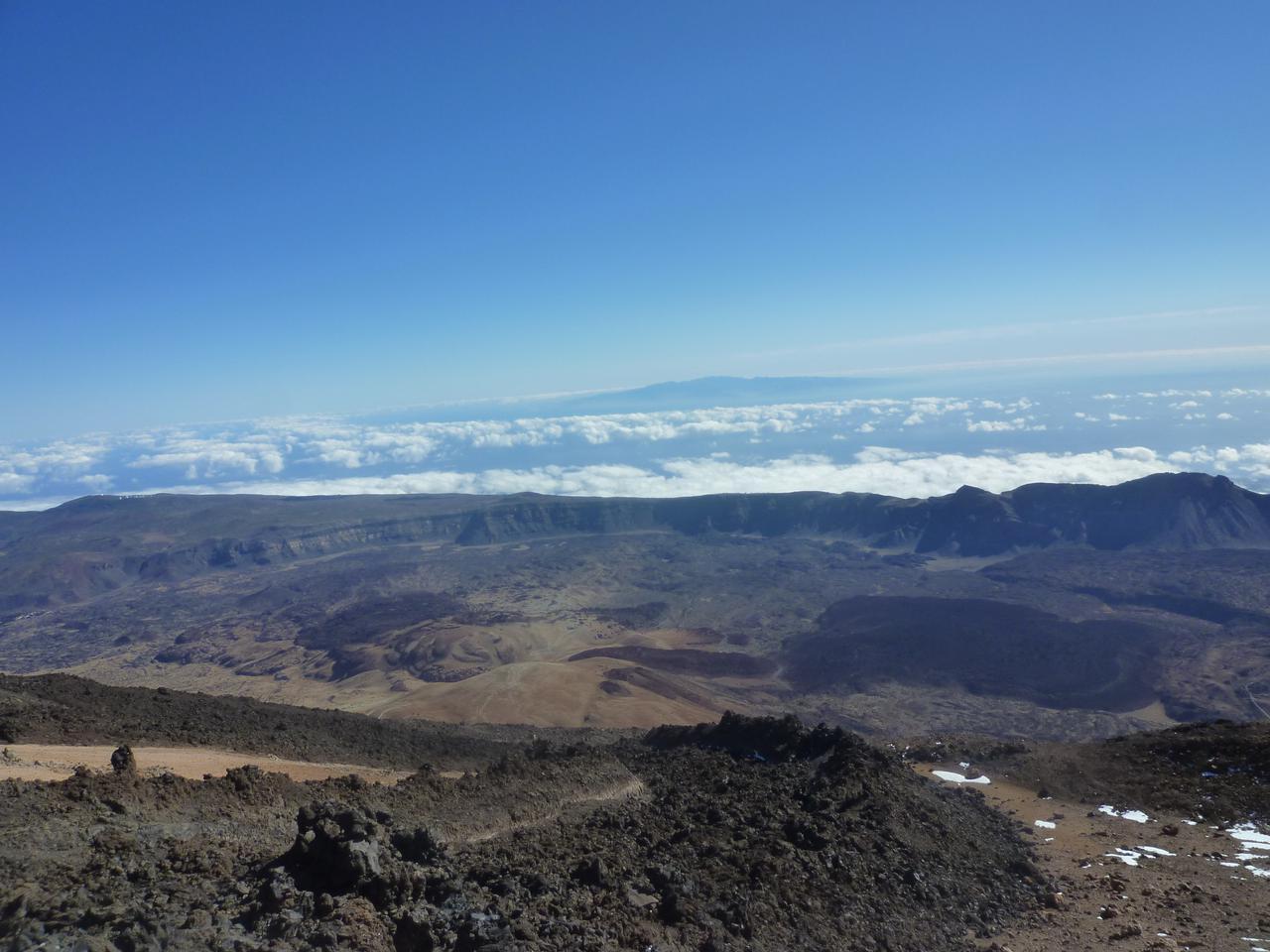 画像: テイデ国立公園・バスからの眺め(イメージ)