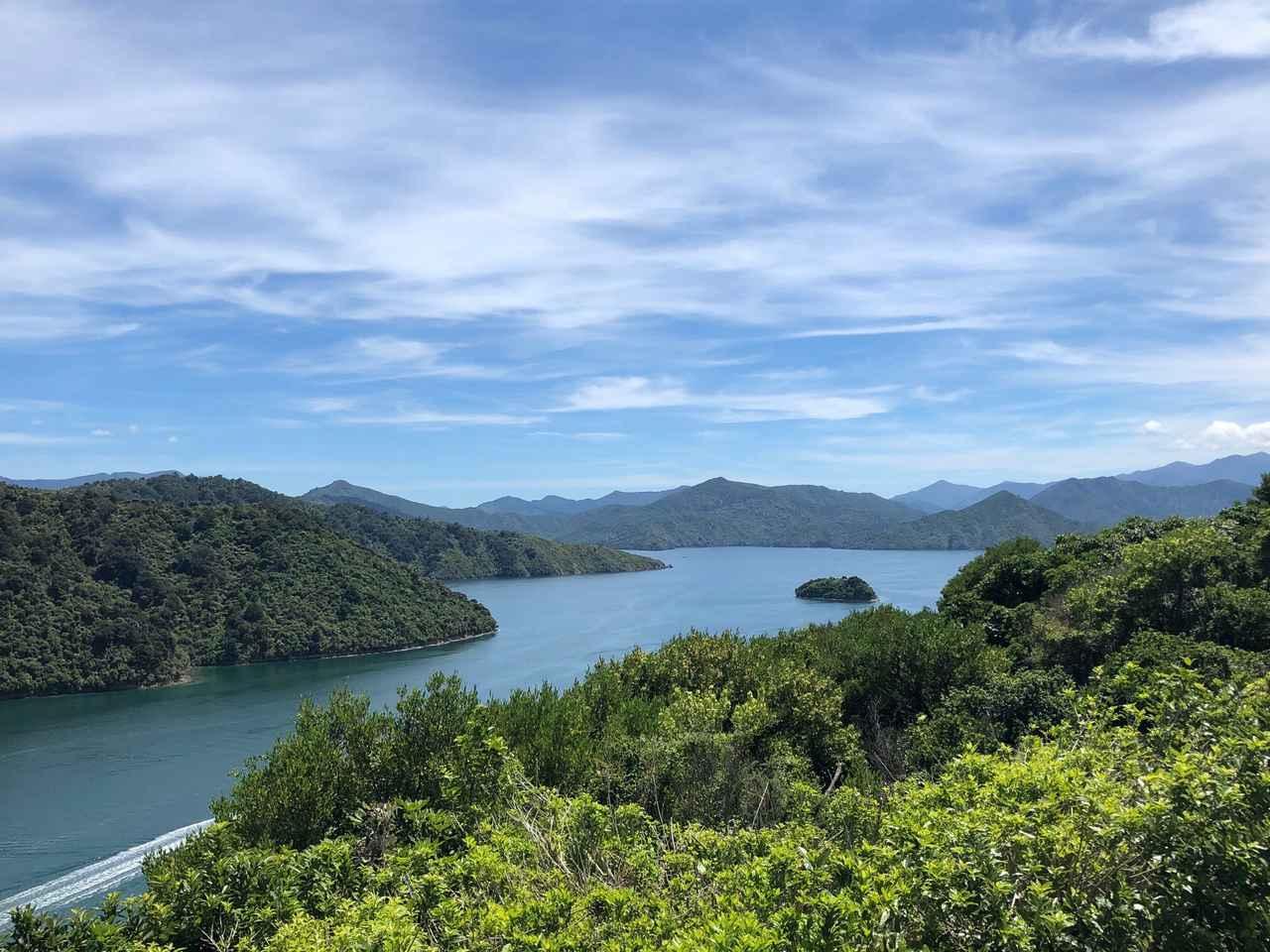 画像: ピクトン・山の上からの眺め/鈴木撮影(イメージ)