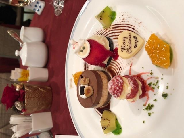 画像: にっぽん丸 クリスマスディナー(一例)/弊社スタッフ撮影