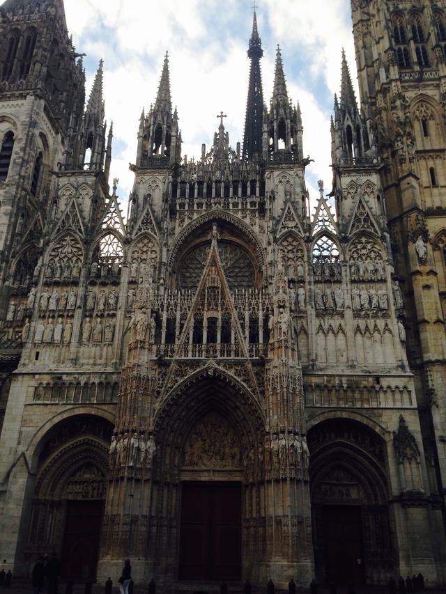 画像: ルーアンの大聖堂(弊社スタッフ撮影)