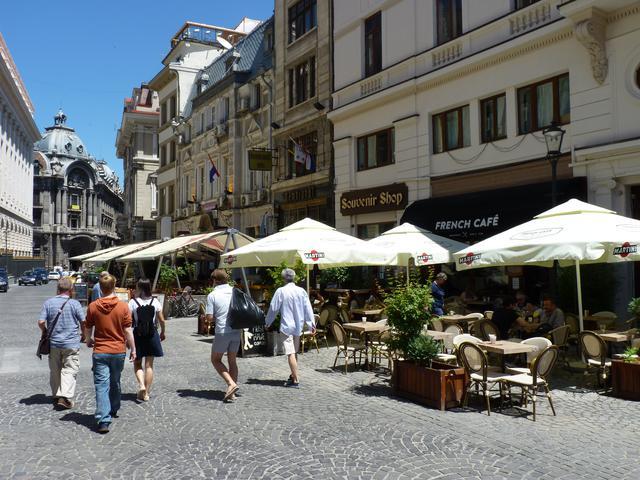 """画像: """"東欧の小パリ""""の雰囲気を残す旧市街 Ⓒdamian entwistle"""