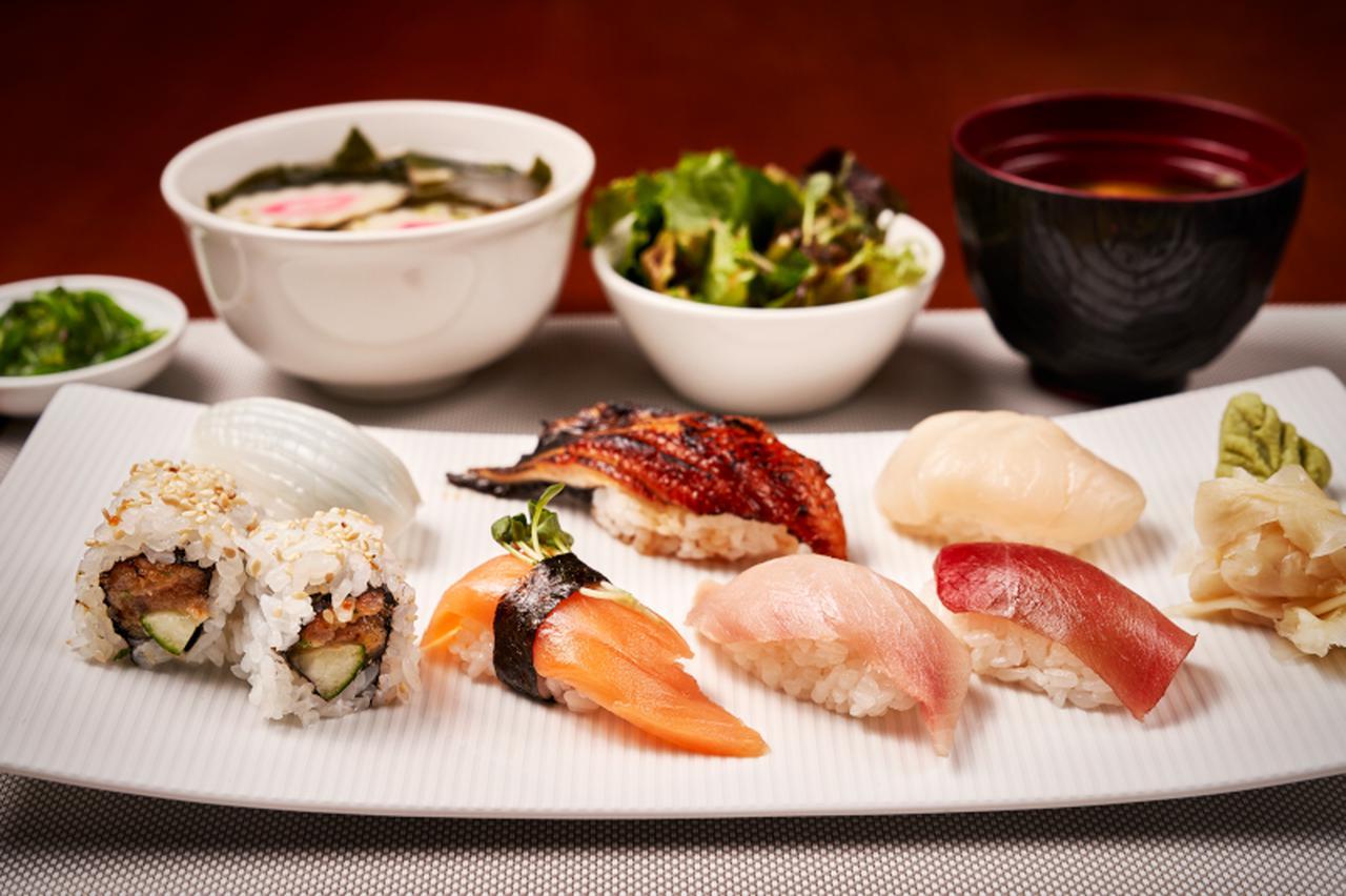 画像2: 寿司レストランでの食事(イメージ)