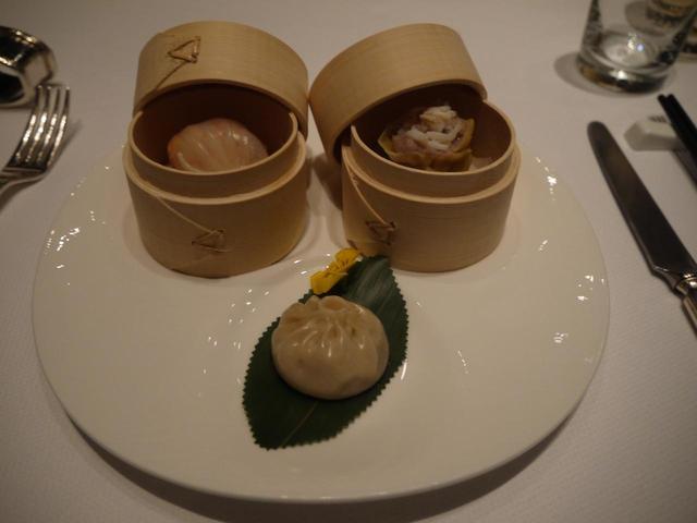 画像: ペニンシュラ北京内「凰庭」の飲茶(企画担当者添乗・撮影)