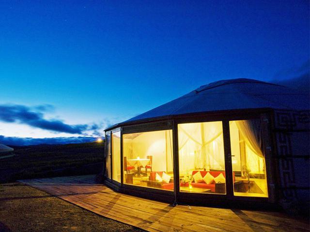 画像: 大草原の夜とご宿泊のゲル