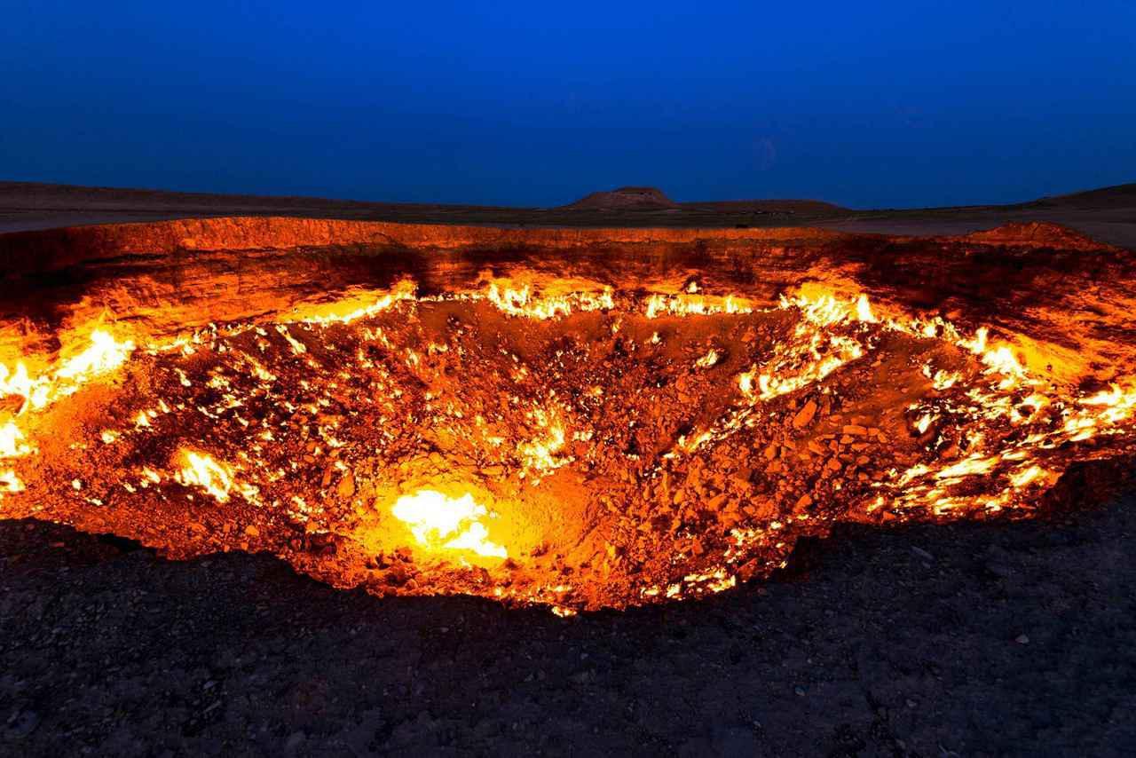 画像: トルクメニスタン・地獄の門