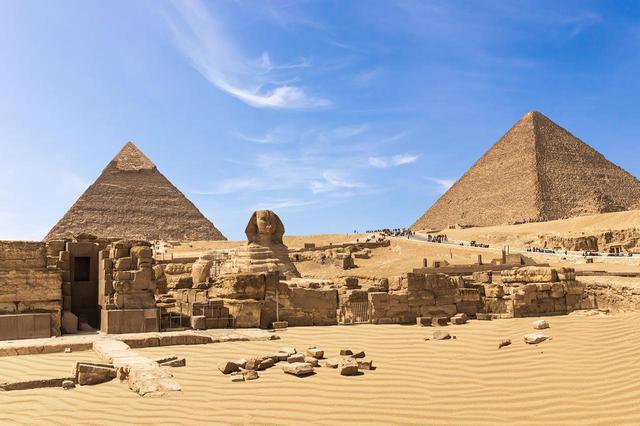 画像: ギザのピラミッドとスフィンクス(イメージ)