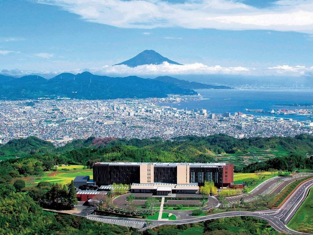"""画像: 『""""風景美術館""""と称される絶景ホテル「日本平ホテル」に約20時間滞在2日間』<四季の華・ゆったり旅> クラブツーリズム"""