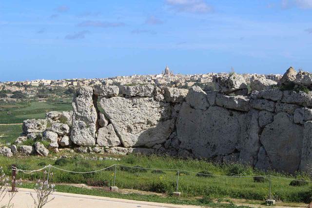 画像: 世界遺産の巨石神殿群のひとつ、ジュガンティーヤ神殿(イメージ)