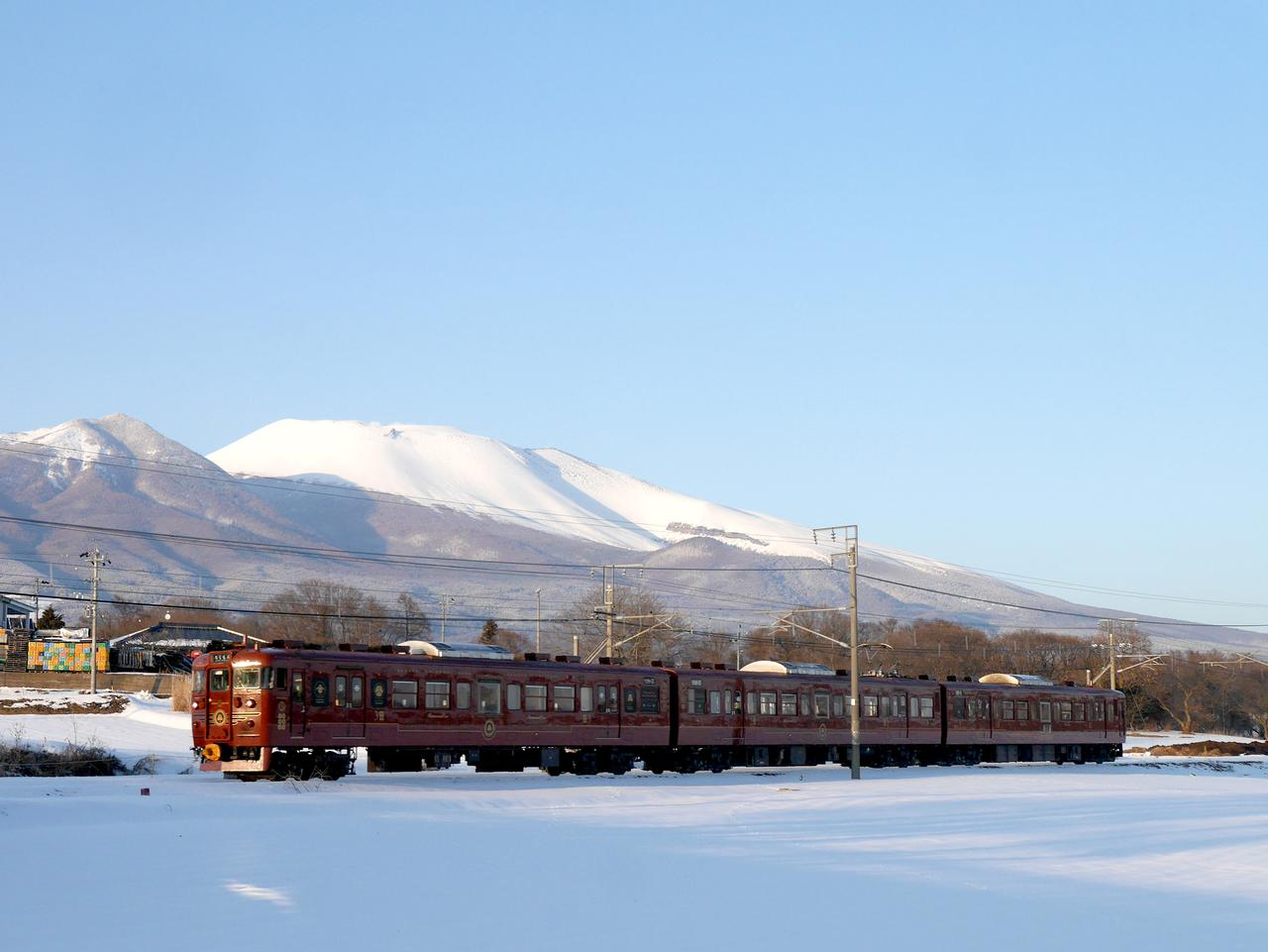 画像: 冬の浅間山を望むろくもん