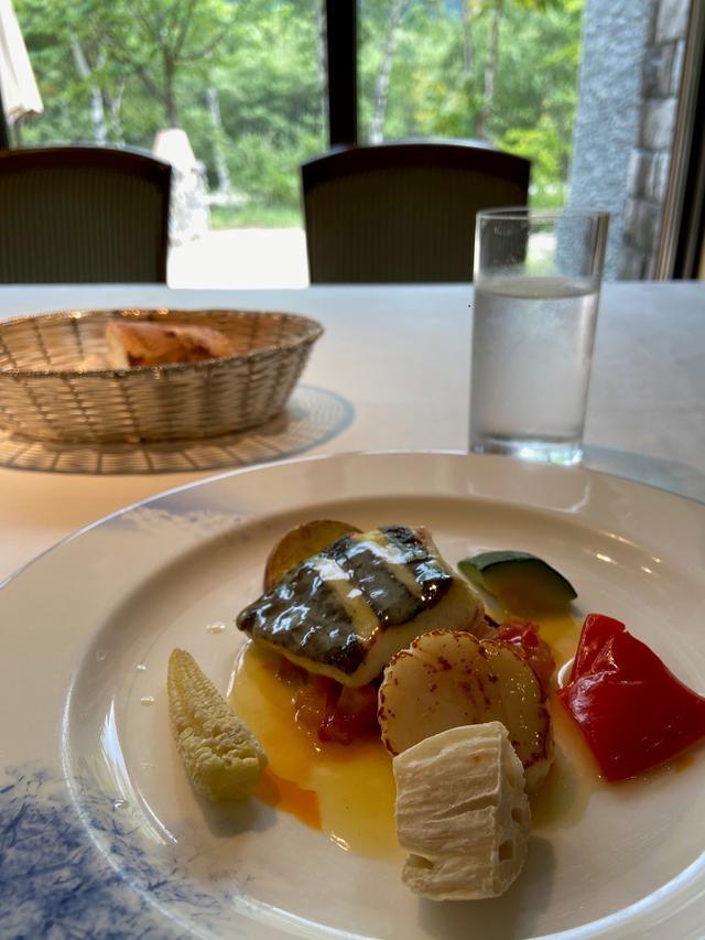 画像: 上高地ルミエスタホテルでの昼食(イメージ/添乗員撮影)