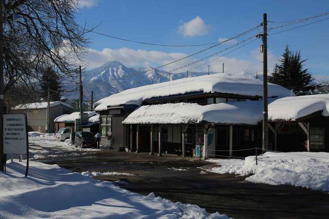 画像: 冬の二本木駅舎