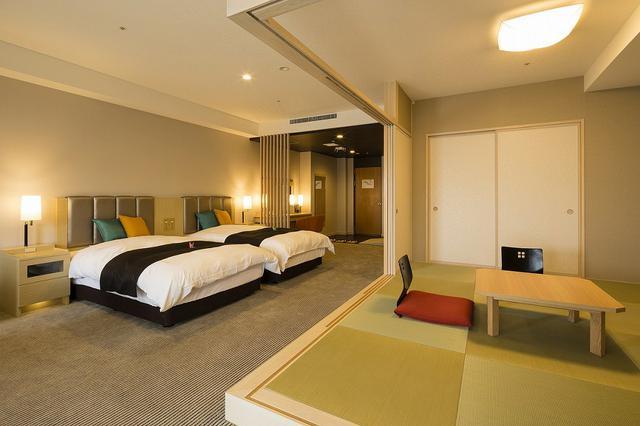 画像: 佳水郷「華の棟」の客室(ホテル提供)