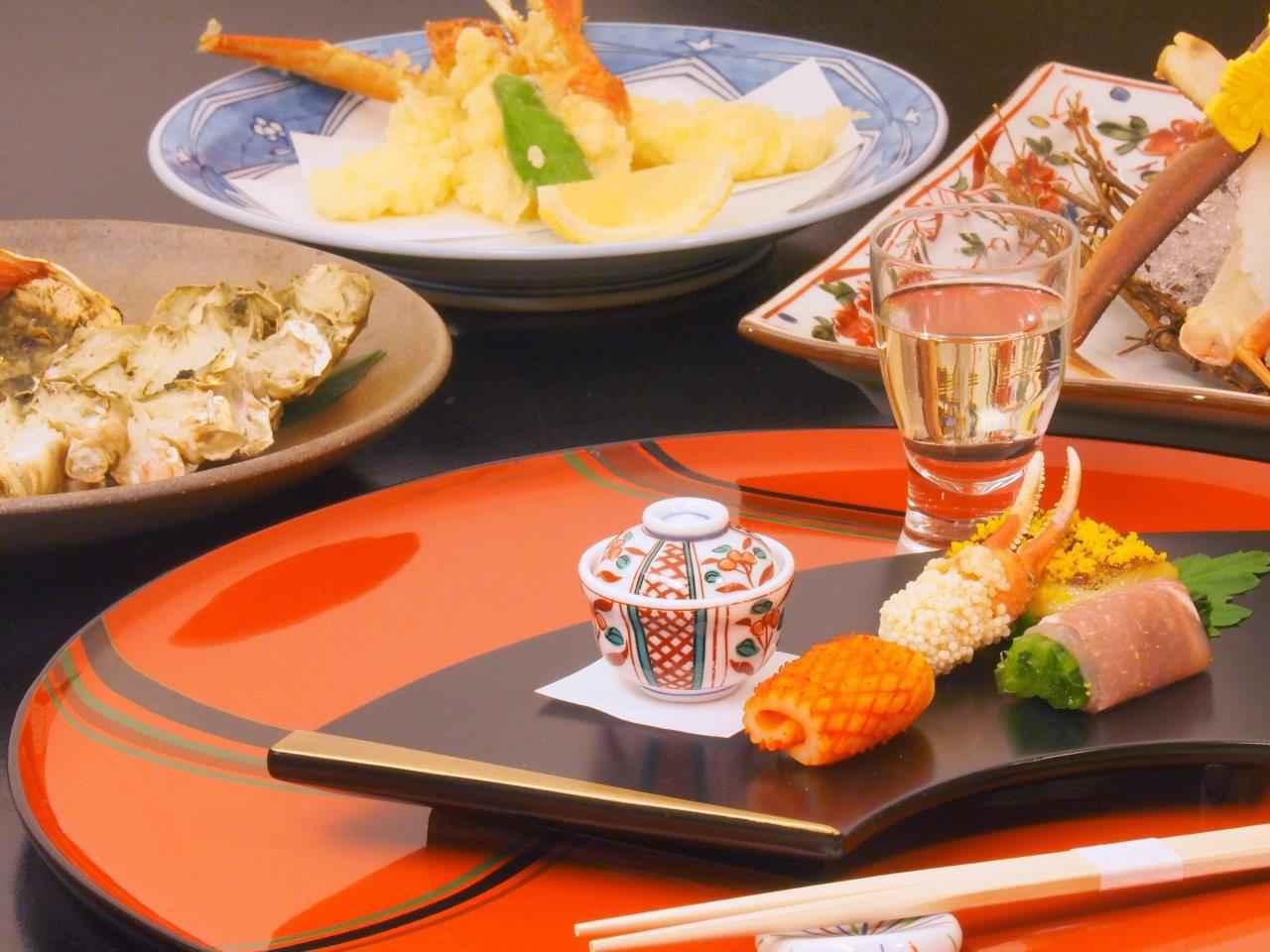 画像: 『往復グランクラス利用 タグ付き越前蟹と加能蟹を食べ比べ 「花紫」と「つるや」3日間』<四季の華/18名様以下/バス1人2席利用> クラブツーリズム