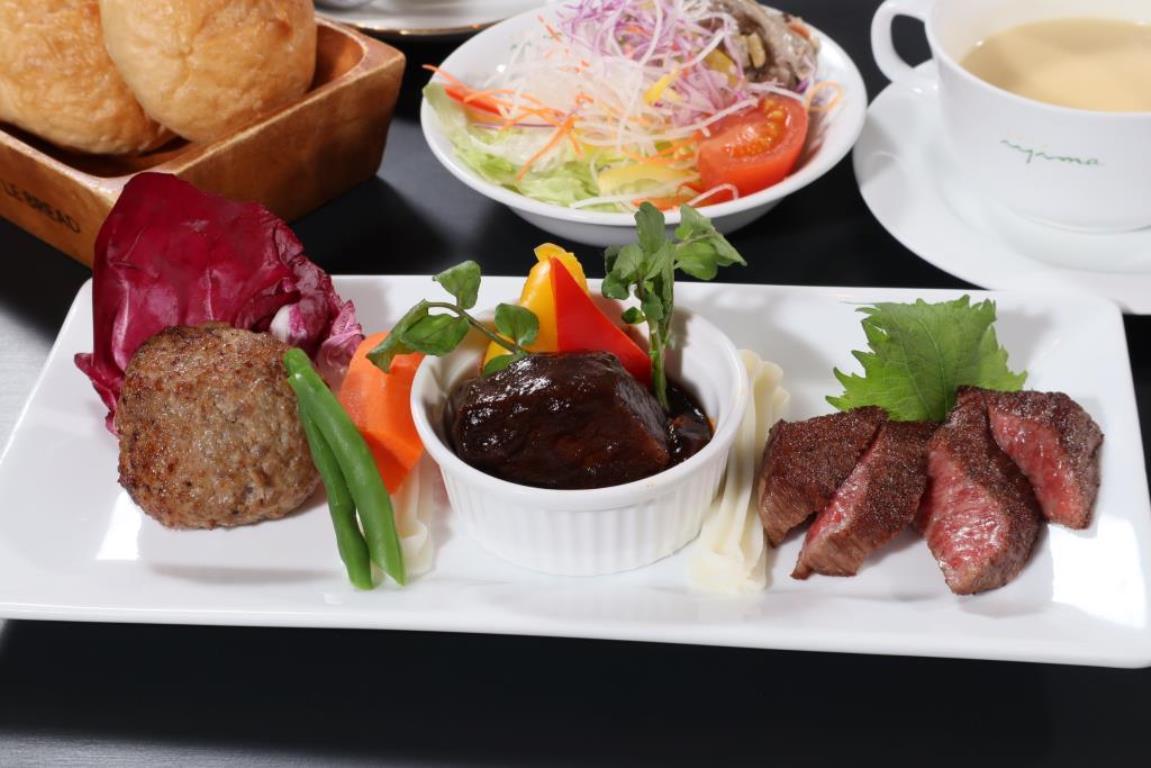 画像: 『「レストランイイジマ」で常陸牛三種食べ比べと紅葉の花貫渓谷・袋田の滝』<四季の華/19名様以下>|クラブツーリズム