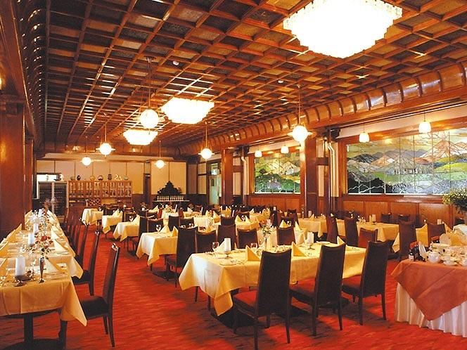 画像: 『軽井沢とあしかがイルミネーション 憧れのクラシックホテル「万平ホテル」2日間』<四季の華/19名様以下>|クラブツーリズム